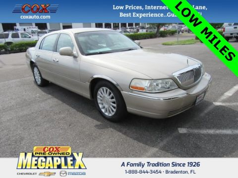 Used Lincoln Town Car Signature